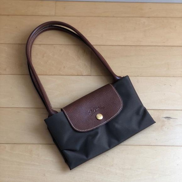 Longchamp Handbags - NWOT Longchamp Le Pliage Nylon Shoulder Bag Tote 58423c81fbf3b